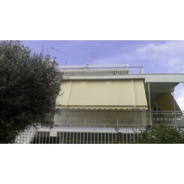 Awning System with Struts